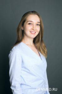 Рафикова Динара Джафаровна, эндодонтист клиники ДенМед, Москва
